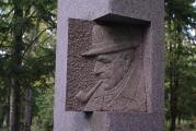 Arhitekt-Arnold-Matteuse-hauakompleks-Tartus-Raadi-kalmistul-2